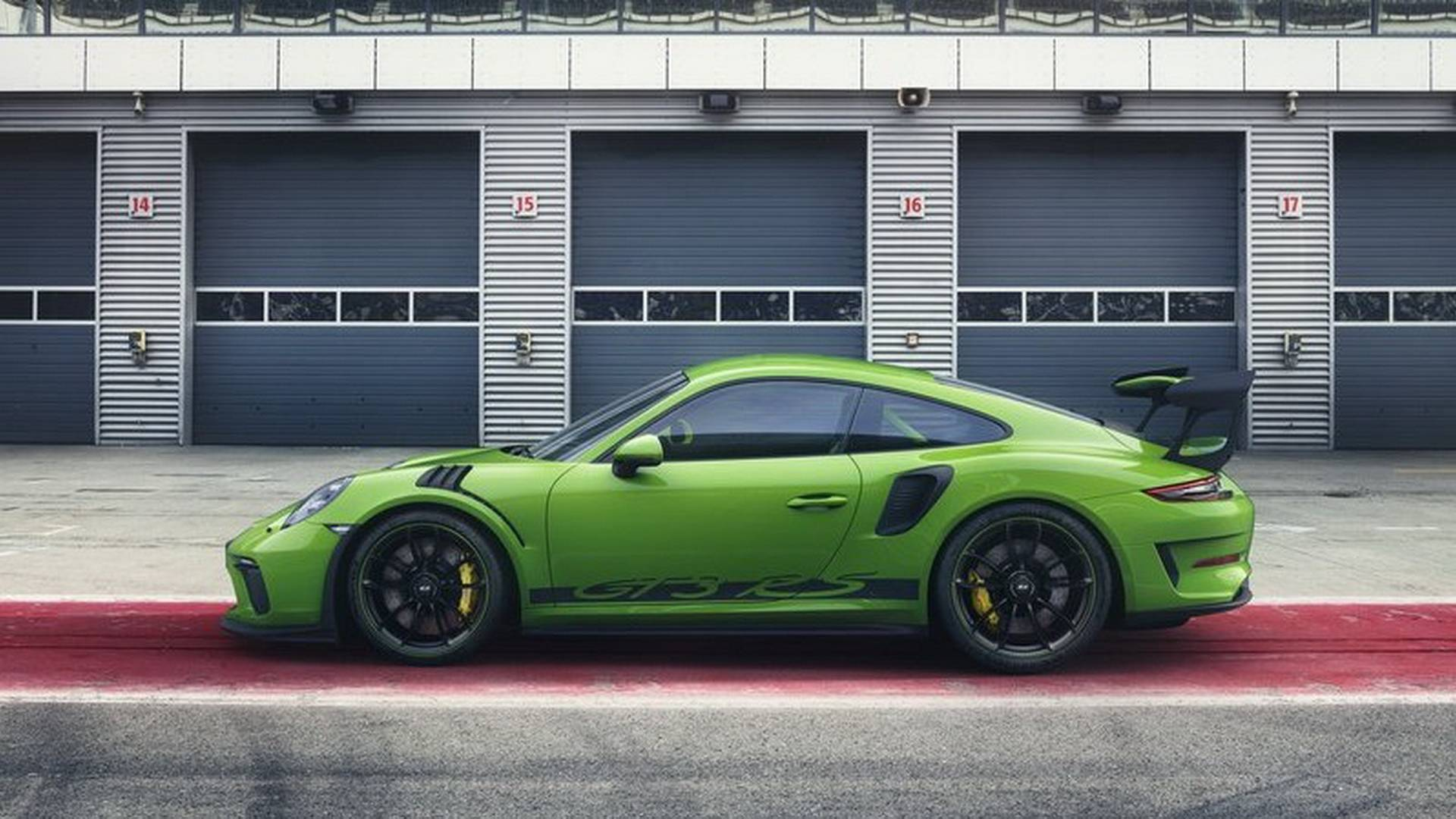 2019-porsche-911-gt3-rs-facelift-9912-leaked-looks-great-in-mamba-green_1.jpg