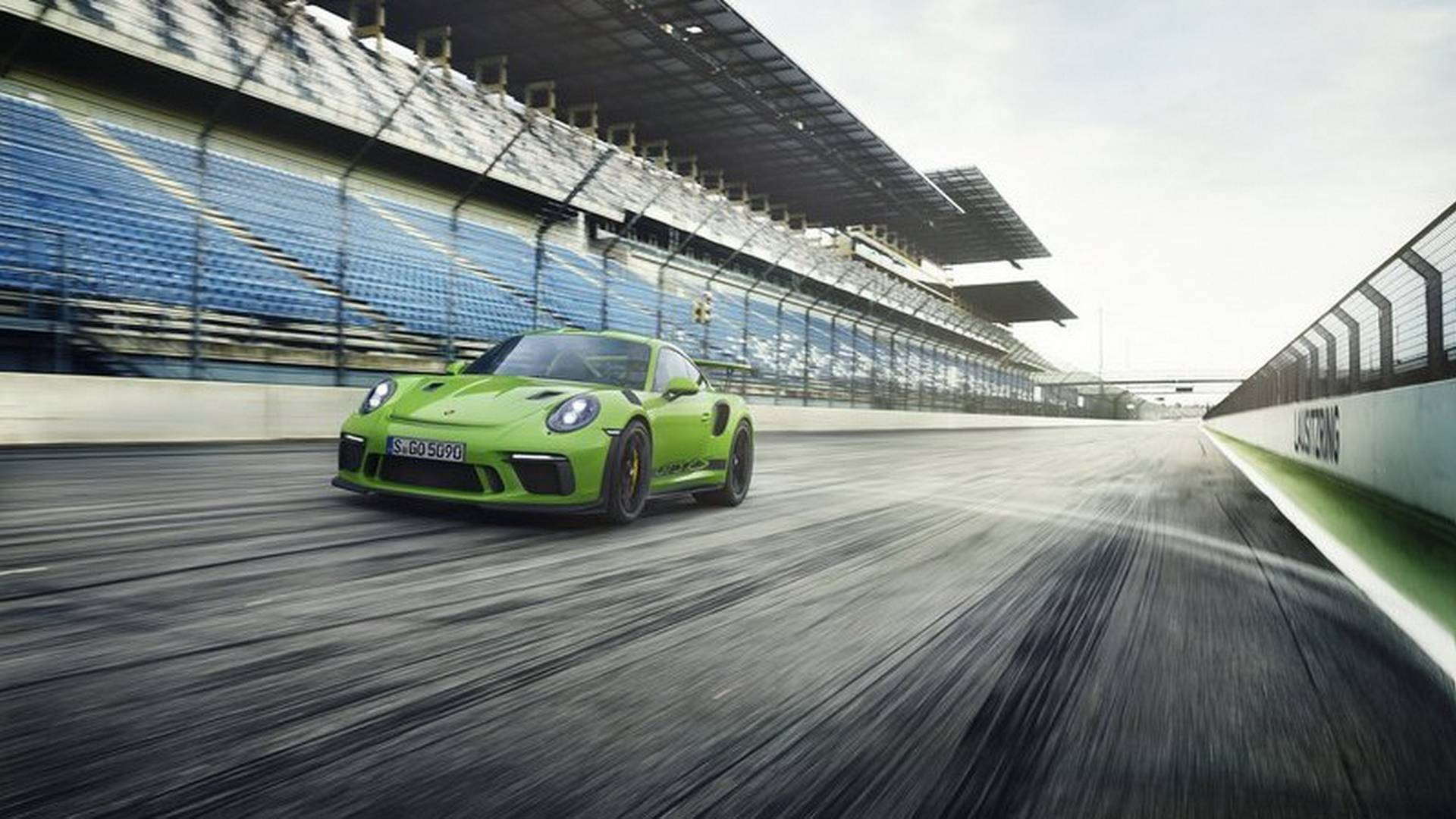 2019-porsche-911-gt3-rs-facelift-9912-leaked-looks-great-in-mamba-green_2.jpg