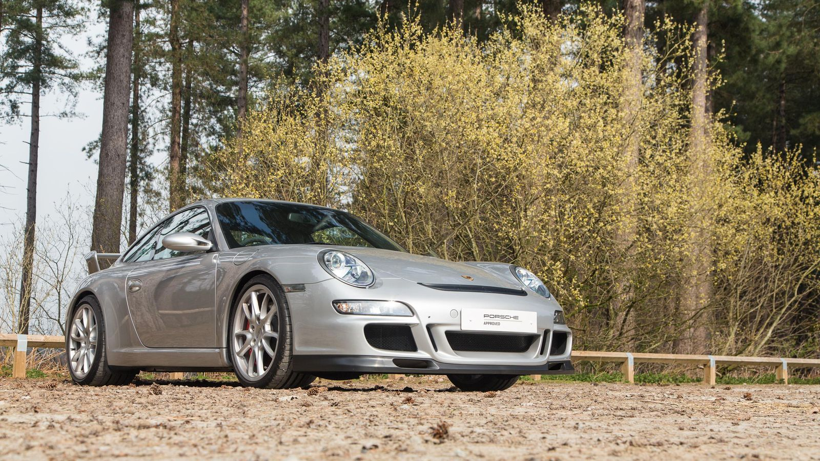 Porsche Approved with Grilles c1600x900.jpg