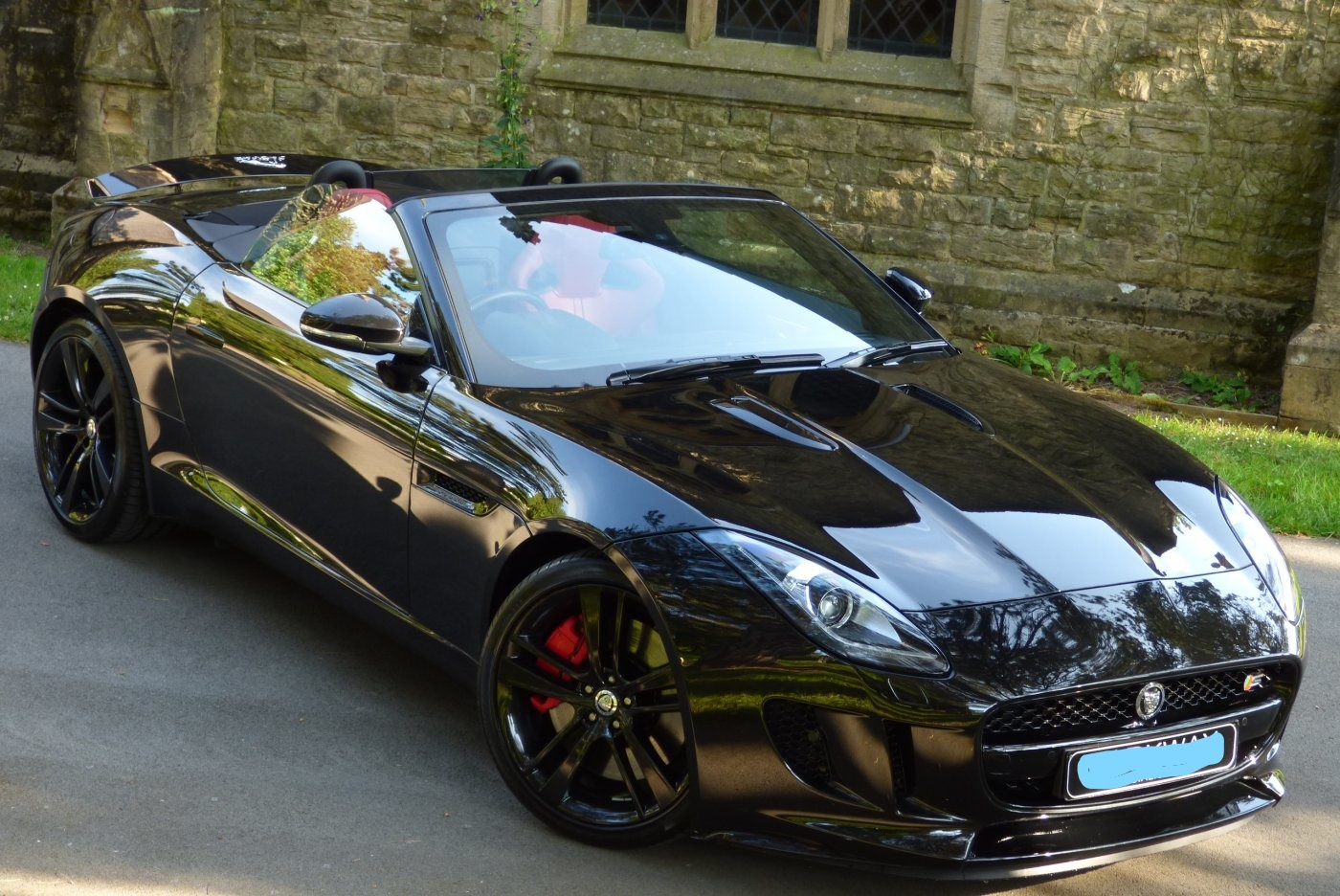 zoom_JAGUAR_F_TYPE_3.0_S_V6_CONVERTIBLE_LI.jpg